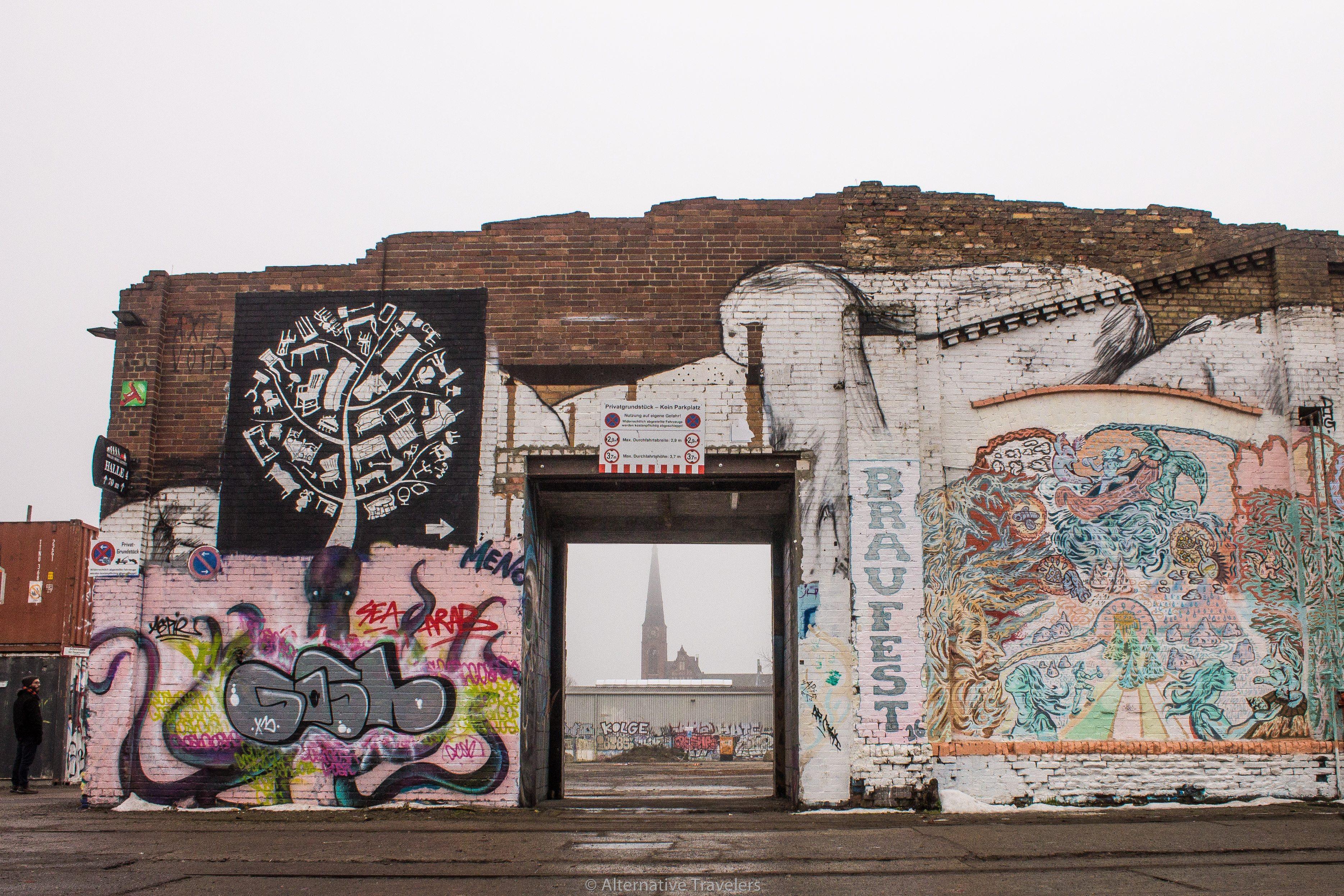Berlin graffiti | AlternativeTravelers.com